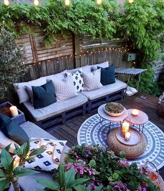 change throw pillows patio