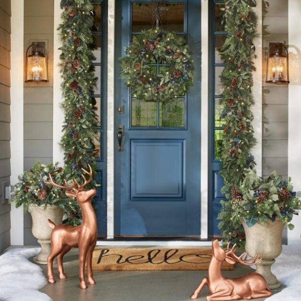 how to decorate for the holidays according to experts