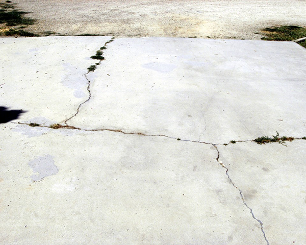 Cracks in cement - house problems to fix