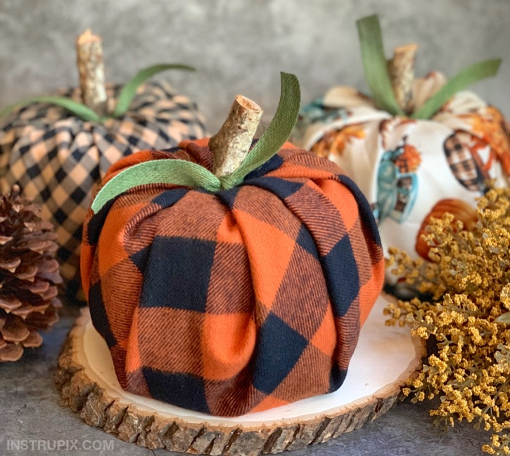Effortless Thanksgiving Home Decor-Pumpkin Toilet Paper